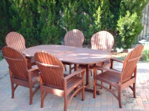 wood table and chairs after sealwize treatment