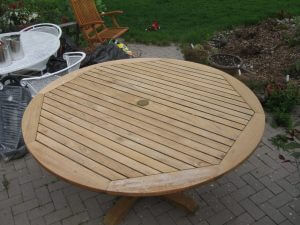 wood table before sealwize treatment